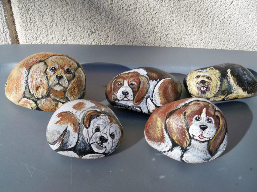 painted rock, dog, beagle